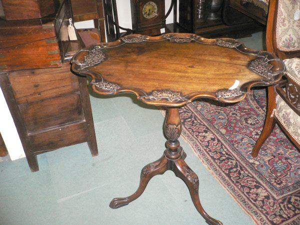 wallnut table